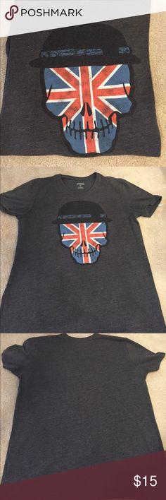Men's Skull 💀 T-Shirt - Medium Medium sized skull t-shirt. No rips stains or tears. Shirts Tees - Short Sleeve
