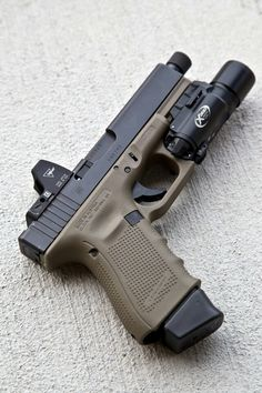 Gen 4 Glock (not sure of the caliber but sweet setup)