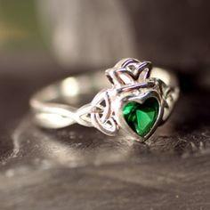 Trinity Claddagh Ring, I'd love this for my birthday or Christmas! #emerald #claddagh