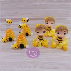 2nd Birthday Parties, Birthday Gifts, Ana Frozen, Bee Cakes, Bee Jewelry, Bee Party, Pasta Flexible, Polymer Clay Crafts, Felt Dolls