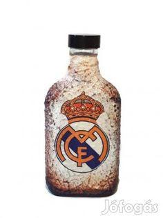 Kínál Kézműves Real Madrid dísz- és használati lapos üveg foci rajongóknak.: Kézműves Real Madrid dísz- és használati lapos üveg foci rajongóknak. (Be... Real Madrid, A&w Root Beer, Beverages, Drinks, Canning, Home Canning, Drink, Beverage, Drinking