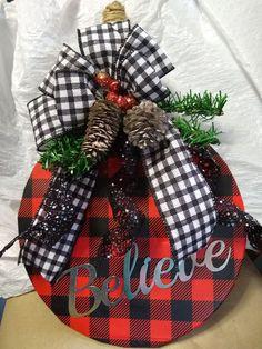 handmade splatter screen buffalo plaid on Mercari Dollar Tree Decor, Dollar Tree Crafts, Fall Crafts, Holiday Crafts, Christmas Bazaar Crafts, Dollar Tree Christmas, Diy Christmas Gifts, Christmas Projects, Christmas Ornaments