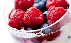 Mixed Berry Parfait - A quick, easy, protein-packed recipe for any meal. Use your greek yogurt, protein drink and fresh berries or fruit of your choice, perfect on the go! High Protein Meal Plan, High Protein Recipes, Protein Foods, Diet Recipes, Diet Foods, Vegetarian Recipes, Mixed Fruit, Mixed Berries, Diet Breakfast