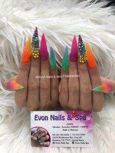 French Nails Glitter, Bling Acrylic Nails, Glam Nails, Neon Nails, Best Acrylic Nails, Bling Nails, Really Long Nails, Unicorn Nails Designs, Long Nail Designs