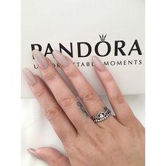 ☺️💕 @mooshmooshvlogs bought me the #myprincess ring today 👑 so spoilt 😍 #shaaanxo