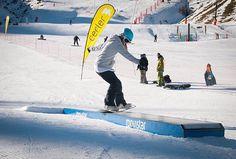 Segundo dia de puente y muchos ya han probado los saltos y módulos de las diversas estaciones de esqui de #España! Os dejamos esta magnifica foto de @grupoaramon en #Cerler! Si quereis toda la informacion de los #snowparks ya sabéis! Link en la biografia #snow #ski #snowboard #snowboarding #mountain #nature #landscape #picoftheday #rider #snowpark #jump #trick #winter #invierno #aramon #aragon #jibbing #dnns #dontneednosamurai #nosamurai