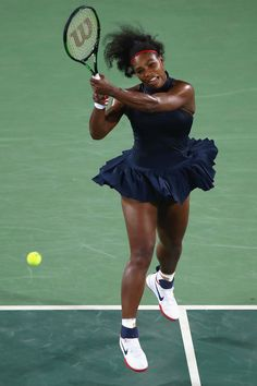 Serena Williams Photos Photos - Serena Williams of the United States in action… Serena Williams Photos, Serena Williams Tennis, Venus And Serena Williams, Sarena Williams, Elina Svitolina, Professional Tennis Players, Rio Olympics 2016, Great Legs, African American Women