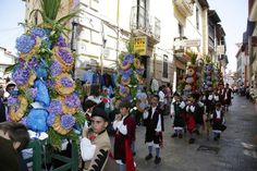 Ramos infantiles en las fiestas de La Magdalena, Llanes, Asturias.