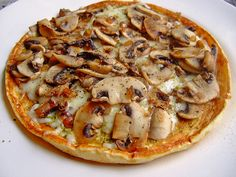 Omelette with mushrooms from Nemetona Gourmet Pizza Recipes, Vegetarian Pizza Recipe, Deep Dish Pizza Recipe, White Pizza Recipes, Veggie Recipes, Indian Food Recipes, Low Carb Recipes, Cooking Recipes, Healthy Recipes