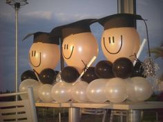 Make Graduation day or End of Party celebrations for 2019 even more special with the best Graduation Party decoration ideas which you can do all by yourself Graduation Crafts, Graduation Open Houses, Graduation Party Themes, College Graduation Parties, Graduation Balloons, Kindergarten Graduation, Graduation Celebration, Graduation Decorations, Grad Parties