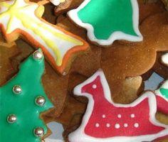 ¿Te apetece hacer unas galletas para Navidad caseras? Las de esta receta están hechas con mantequilla y además te enseñamos a decorarlas para que queden muy coloridas. ¡Que las disfrutéis!