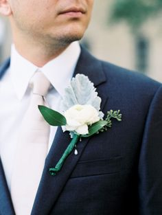 Ranunculus boutonniere: http://www.stylemepretty.com/2015/02/10/neutral-colored-texas-hill-country-wedding/ | Photography: Loft - http://loftphotographie.com/