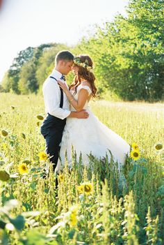 Jeremy and Audrey sunflower field #wedding #bride #flowercrowns Photo By Christianne Taylor