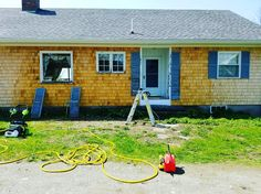 A beautiful day for a pressure wash.  http://ift.tt/2ro4FxV