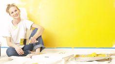 Peindre sur du papier peint : technique et pièges à éviter