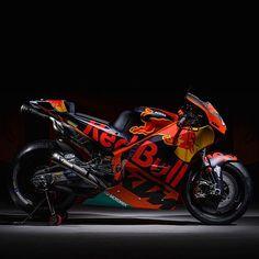Red Bull KTM Factory Racing unveils bike for its maiden MotoGP season Motogp Teams, Ktm Factory, Ktm Rc, Used Motorcycles, Racing Motorcycles, Bike News, Red Bull Racing, Racing Bike, Motosport