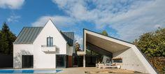 Asymmetrical Concrete Architecture Architecture Design, Origami Architecture, Concrete Architecture, Modern Architecture House, Residential Architecture, Amazing Architecture, Modern House Design, Arch Building, Design Case