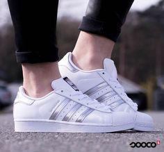 Most wanted! Deze Superstars staan al 2 maanden op nummer 1 van best verkochte schoenen! Heb jij ze al? https://www.sooco.nl/adidas-superstar-witte-lage-sneakers-23512.html