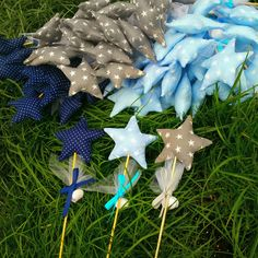 Christening Favors, Baptism Favors, Star Wand, Baptism Candle, Baby Boy Baptism, Christmas Wood, Origami, Diy And Crafts, Presents