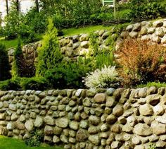 There are many landscaping ideas for sloping hills that create beautiful outdoor living spaces and enhance house design while increasing home values