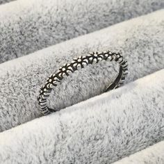 Daisy Chain - Sterling Silver Ring