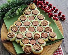 Albero di Natale di sfoglia e wurstel - Antipasto di Natale