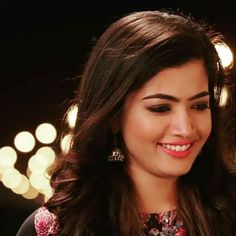 Rasmika Mandanna Cute and cute actress Stylish Girl Images, Stylish Girl Pic, Indian Natural Beauty, Cute Girl Face, Hijabi Girl, Beautiful Girl Photo, Bikini Images, Most Beautiful Indian Actress, Indian Celebrities