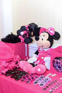 Pink Minnie Mouse Birthday Party Ideas | Photo 2 of 45