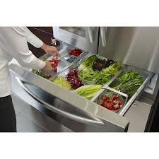Do you ever find yourself tossing out spoiled fruit and vegetables? These 8 tips and tricks on how to properly store fresh produce will help extend the shelf life of your produce and save you money! Produce Storage, Food Storage, Utensil Storage, Storage Ideas, How To Store Tomatoes, Fridge Drawers, Storing Fruit, Commercial Kitchen, French Door Refrigerator