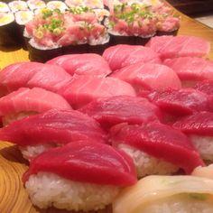 マグロづくし。梅ヶ丘美登利寿司の月曜食べ放題