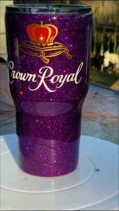 Jason's cup for sure ? Jason's cup for sure ? Diy Tumblers, Personalized Tumblers, Custom Tumblers, Glitter Tumblers, Tumblr Cup, Cup Crafts, Custom Cups, Glitter Cups, Tumbler Designs