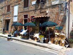 Bolgheri; mooiste dorp ooit......