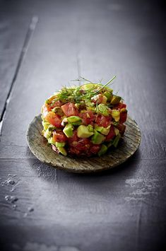 Our popular recipe for salmon tartare with orange-honey-mustard sauce and more than other free recipes LECKER. Honey Mustard Recipes, Honey Recipes, Sauce Recipes, Creamy Mustard Sauce, Honey Mustard Sauce, Finger Food Appetizers, Appetizer Recipes, Boeuf Stroganoff Rezept, Grilled Honey Mustard Chicken