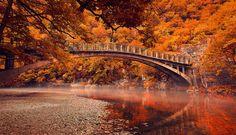 Ponte sobre o rio Voidomatis, em Vikos, Grécia