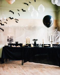 A Skeleton Masquerade Makes for One Magnificent Birthday Party October Birthday Parties, 30th Birthday Themes, 30th Party, Birthday Party Celebration, Birthday Ideas, Birthday Bash, Funeral Party, Halloween Birthday, Halloween 2020