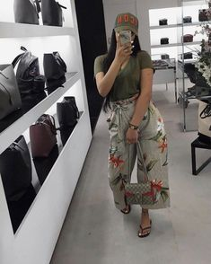 The Easiest Summer Look. Just wear it and forget it and enjoy the summer. Chill Outfits, Classy Outfits, Trendy Outfits, Summer Outfits, Cute Outfits, Black Girl Fashion, Look Fashion, Fashion 2018, Mode Kimono