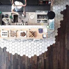 Extensive range of parquet flooring in Edinburgh, Glasgow, London. Parquet flooring delivery within the mainland UK and Worldwide. Küchen Design, Cafe Design, Floor Design, Design Trends, Home Decor Trends, Diy Home Decor, Decor Ideas, Room Ideas, Room Decor