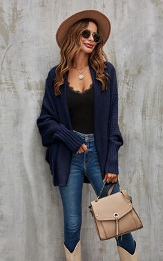 Chunky Cardigan Outfit, Batwing Cardigan, Navy Blue Cardigan, Cardigan Outfits, Oversized Cardigan, Blue Jeans, New Outfits, Trendy Outfits, Cute Outfits