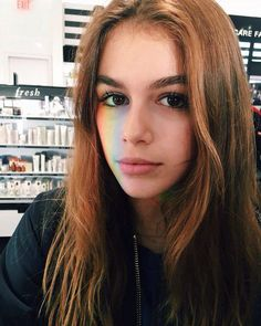 @lavaalampp // 'modern life is rubbish' // gorgeous - the hair colour is lovely with her eyes !!