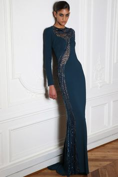 Zuhair Murad, Paris Fashion Week, for Fall, he expressed their butterflys sinuous bodies and wing shapes as custom guipure lace patterns and strategically placed cutouts.