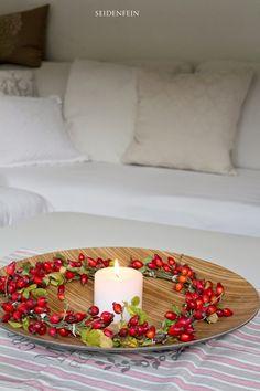 seidenfeins Blog vom schönen Landleben: Hagebuttentag : Kranz & Keks & gehäkelt * DIY * rosehip wreath crochet & recipe