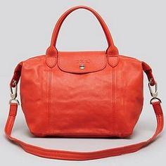 These Longchamp planetes are so fashionable! Not only do they look good but they are true to size are comfortable on your hand and are listed at an affordable price.