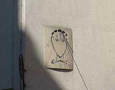 Facebook Cadran solaire de Dali, rue Saint Jacques
