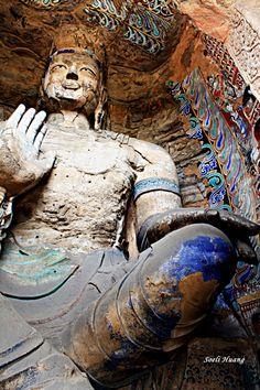 Yungang grottoes near Datong 大同, China