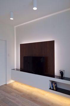 Mooie wandkast ( zonder donker gedeelte achter de tv dan wel)