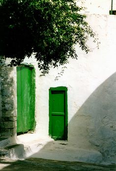 Green and white on Amorgos, Cyclades Islands, Greece Looks like someone had a bit too much Metaxa before painting!  Lol