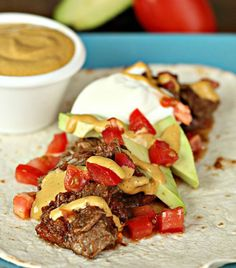 Slow Cooker Carne Asada Steak Tacos (with Chipotle Aioli Sauce) - Crockpot Recipes Crock Pot Slow Cooker, Crock Pot Cooking, Slow Cooker Recipes, Crockpot Recipes, Cooking Recipes, Yummy Recipes, Tasty Recipe, Pork Recipes, Healthy Recipes