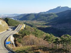 #Misiryeong Penetrating Road, #Gangwon Province, Korea - Emergency escape ramp on Misiryeong Penetrating Road, located at the middle of a downhill before Tollgate. It enables vehicles that are having braking problems to safely stop. | 미시령관통도로 긴급제동시설
