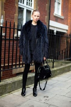 #LinaBerg letting her feathers fly #offduty in London.