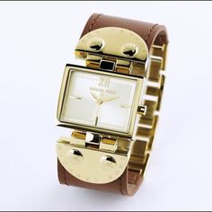 """Michael Kors MK2361 Leather Watch Authentic Michael Kors Watch.                               Style-MK2361 Brown Leather Strap.                       Gold Tone Hardware.                                             Only Used A Few Times.                                        Minimal Light Scratches on the back of hardware. Fits up to 7 1/2"""" Wrist.                            ❌No Trades❗️PM Only Offers Welcomed         But Low Ballers Michael Kors Accessories Watches"""